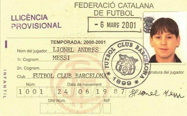 Messi joins Barcelona