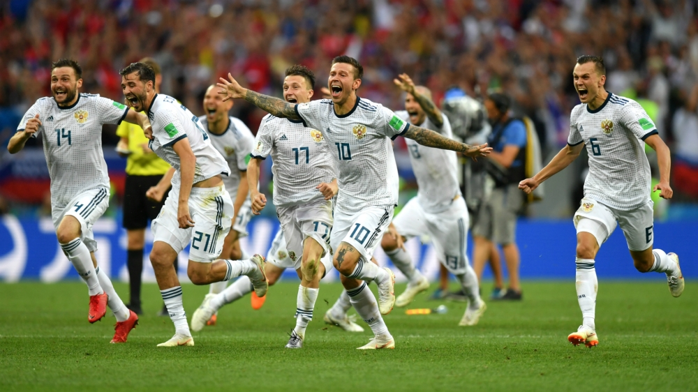 Russian players celebrating their win against Spain after round of 16 world cup 2018 penalty shoot out